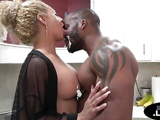 Bigtits transsexual babe anally rammed by BBC