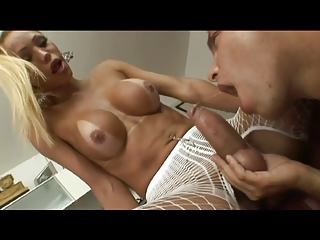 Big Juicy Tranny Cock Getting Sucked