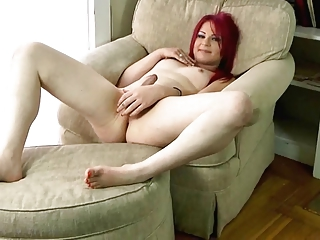 Lovely Shemale Vanessa Feet And Jerk