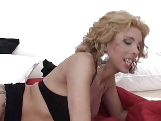Blonde Tranny Gets Fucked