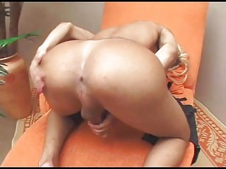 Blonde Tranny & Strapon girl fucking guy