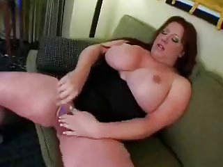BBW tranny loves to get self pleasure..