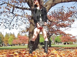 Crossdresser Outdoor Flashing.3 The Autumn