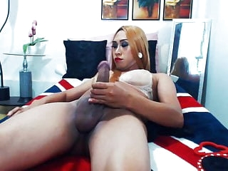 Shemale Jerking Her Black Hard Cock