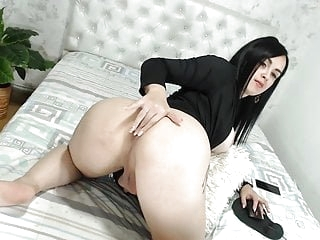 Cute chubby with big sexy ass masturbating shows anal hole